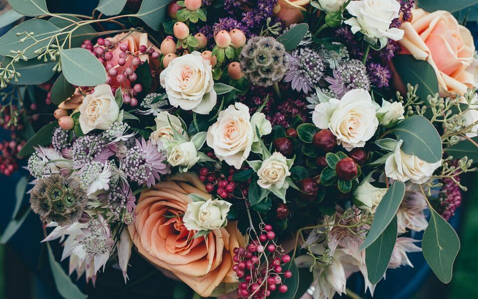 Blumen verschenken: Wunderbare Geschenkideen für Frauen